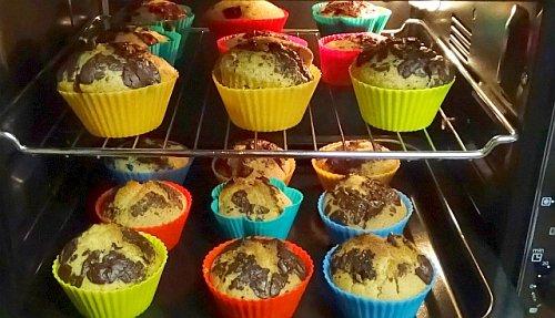 2 Bleche vegane Muffins im Minibackofen mit Umluft